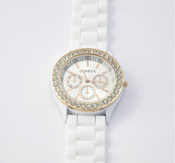 85cc9c0c11cf Часы Geneva Crystal белые